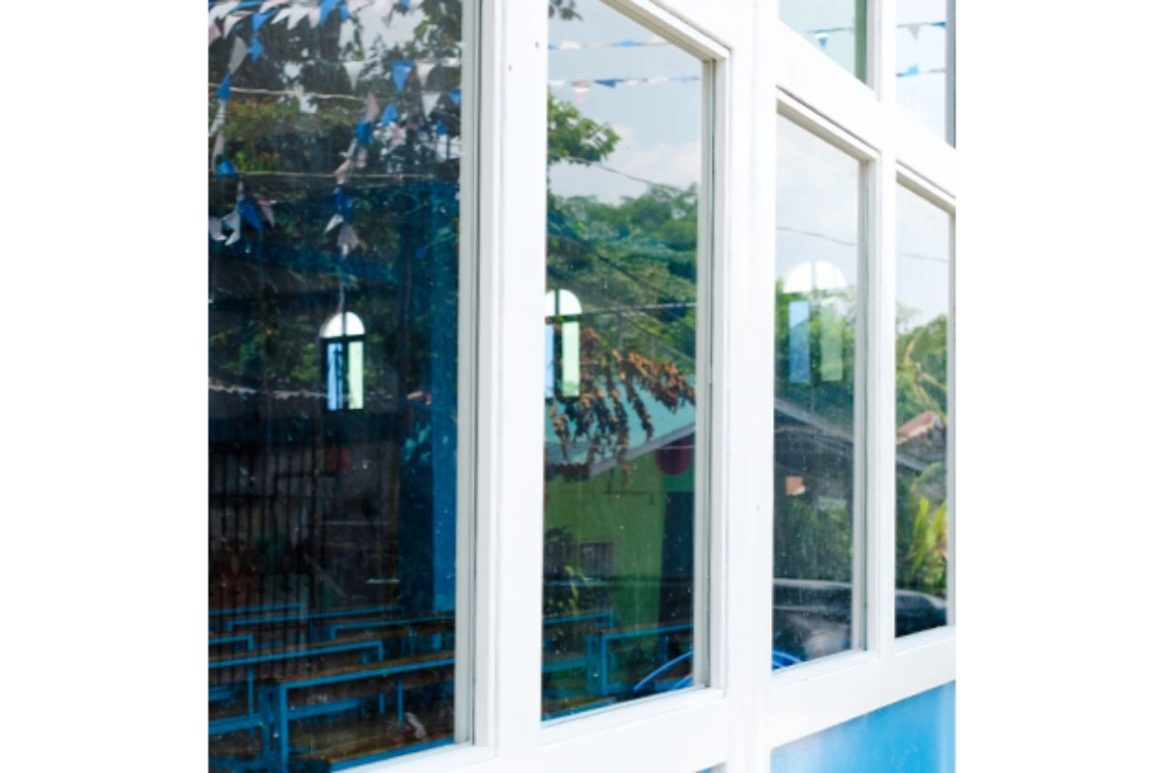 Powder coated windows by Acumaster